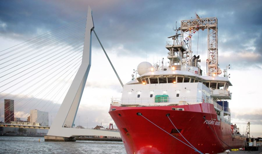 Fugro starts Vattenfall site investigations at two UK offshore wind farms